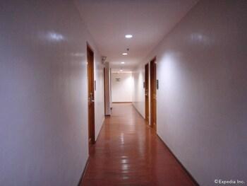 Hotel America Clark Hallway