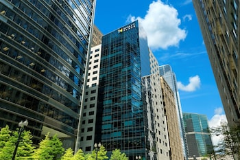 Hyatt Place Chicago Downtown The Loop 2 0 Miles From United Center