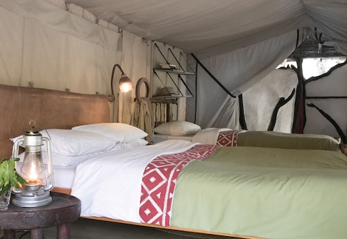 馬賽馬拉營地飯店