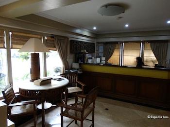 Ralph Anthony Suites Manila Lobby