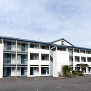 南特貝若利公園博覽民宿飯店