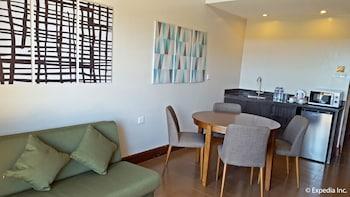 Newton Plaza Hotel Baguio In-Room Kitchenette
