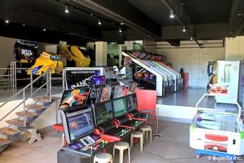 Newton Plaza Hotel Baguio Game Room