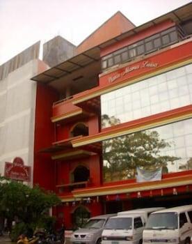 HotelPlaza Maria Luisa Suites Inn
