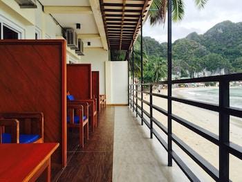 Rosanna's Pension EL Nido Terrace/Patio