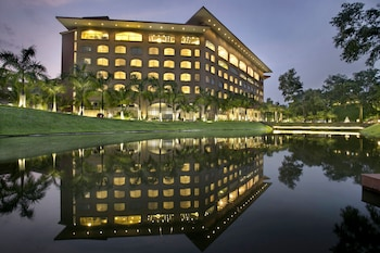 Grand Sultan Tea Resort & Golf