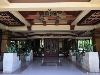 Bohol Tropics Resort Lobby