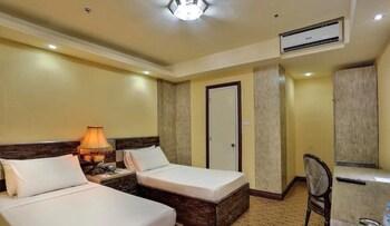 Bohol Tropics Resort Guestroom
