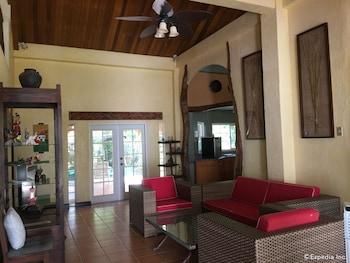 Bohol Villa Formosa Living Room