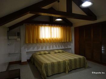Pension Natividad Manila Guestroom