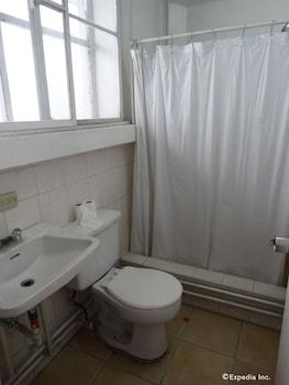 Pension Natividad Manila Bathroom