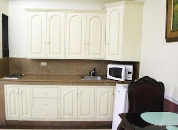 Kokomo's Suites Hotel Pampanga In-Room Kitchenette