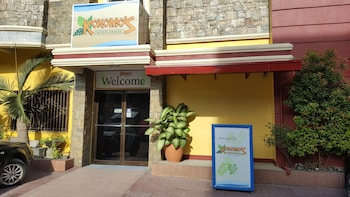 Kokomo's Suites Hotel Pampanga Featured Image