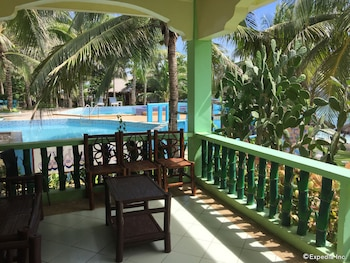 Flower Beach Resort Bohol Terrace/Patio