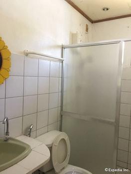 Flower Beach Resort Bohol Bathroom
