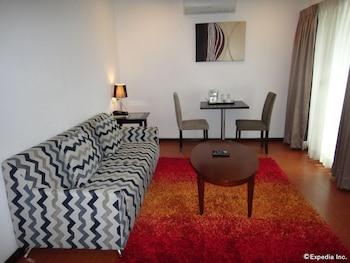 Prestigio Hotel Apartments Cebu Living Room