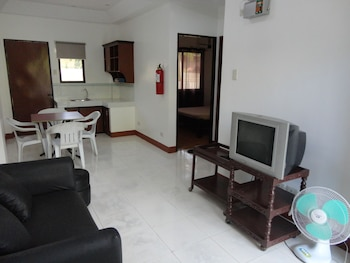A Family Apartelle Bohol Living Room