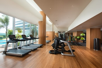 Conrad Hotel Manila Gym