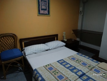 The Southern Cross Hotel Manila Guestroom