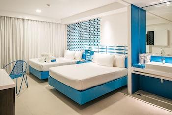 Current by Astoria Boracay Guestroom