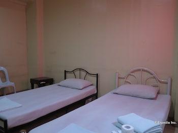 C Est La Vie Pension Cebu Guestroom
