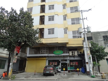 Getz Hotel Manila Featured Image