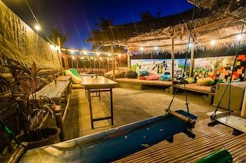 Jeepney Hostel And Kite Resort Boracay Nightclub