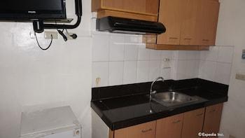 Knysna Residence Manila In-Room Kitchenette