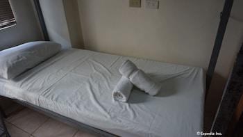 Knysna Residence Manila Guestroom