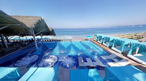 艾爾馬斯豪華 LGBT 海邊體驗飯店