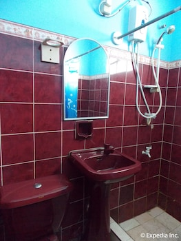 Woodruffs Beach Resort Argao Bathroom