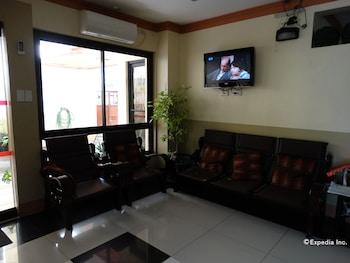 Imperial Ridge Pension House Tagbilaran Lobby Sitting Area
