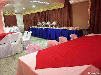 Casa Reyfrancis Bohol Dining