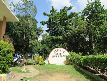 Alexis Cliff Dive Resort Bohol Property Grounds
