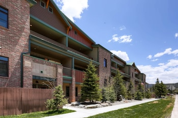 Boulevard Bend by Bighorn Rentals - Frisco, CO 80443 - Property Grounds