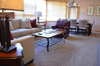 Vail Center Place - Vail, CO 81657 - Living Area