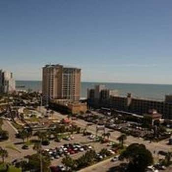 艾略特海灘出租屋 - 假日大樓