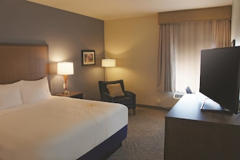 La Quinta Inn & Suites Morgan Hill - San Jose South - Morgan Hill, CA 95037 - Guestroom
