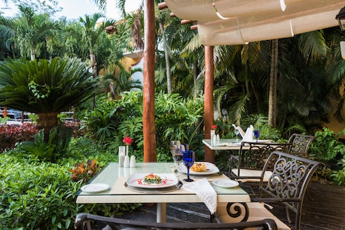 科蘇梅爾渡假村皇家俱樂部大飯店 - 全包式