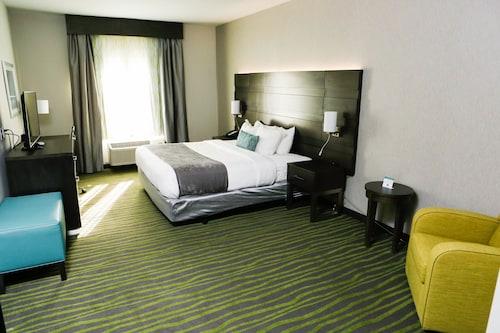 貝斯特韋斯特普萊茵湖套房飯店