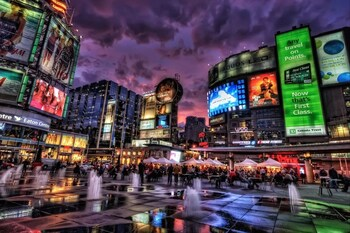 Lavish Suites - Two Story Loft - Downtown Toronto