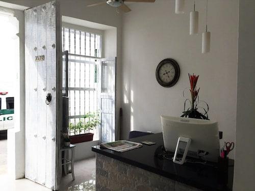 Hotel Portal de San Antonio
