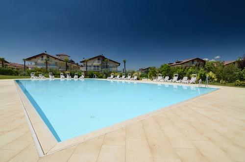 斯里米翁內哈迪斯公寓飯店
