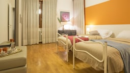 Hintown Apartments Fiera Milano City