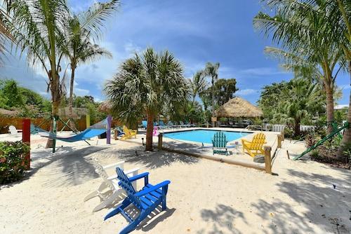 西埃斯特基村棕櫚飯店