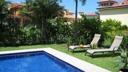 Casa Pez Vela by RedAwning
