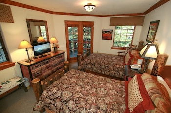 Pinehurst Townhomes by Vail Realty - Beaver Creek, CO 81620 - Guestroom
