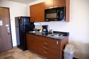 My Place Hotel - Loveland - Loveland, CO 80538 - In-Room Kitchenette