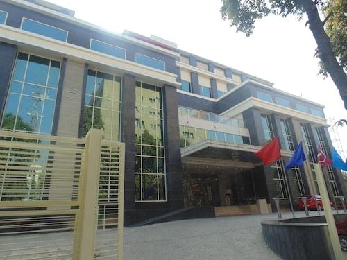 阿古拉 PL 王之庭旅館