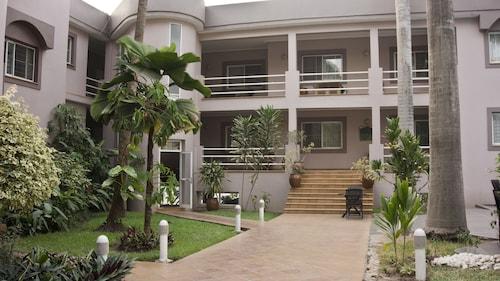 皇冠公寓飯店